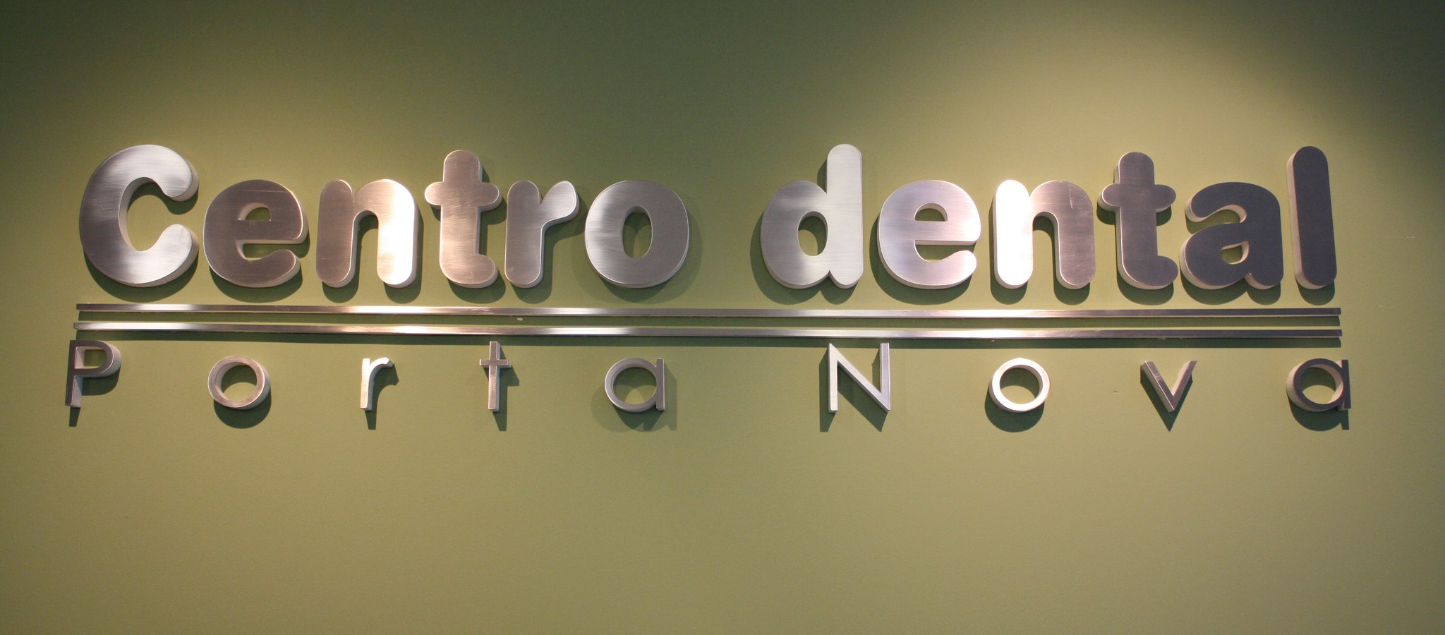 Entrada Centro dental Porta Nova